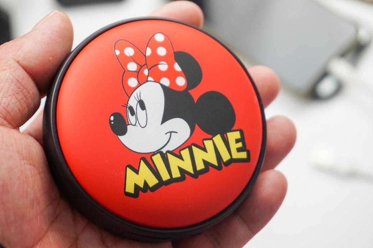卡通minnie充电宝体验-爱扫货