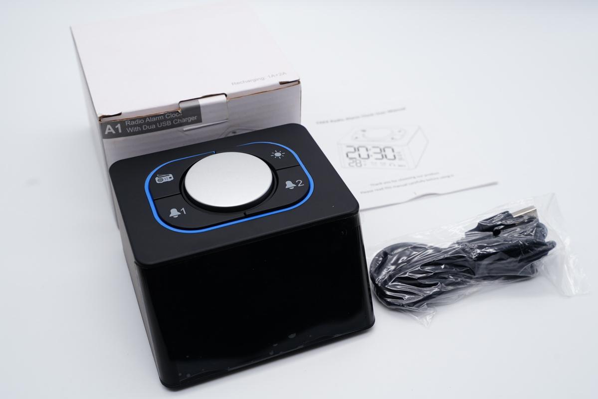 多功能闹钟,支持FM收音机模式,双闹钟设定,支持双USB充电-爱扫货