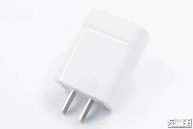华为22.5W充电器,支持10V档位,大量有货可批发-爱扫货